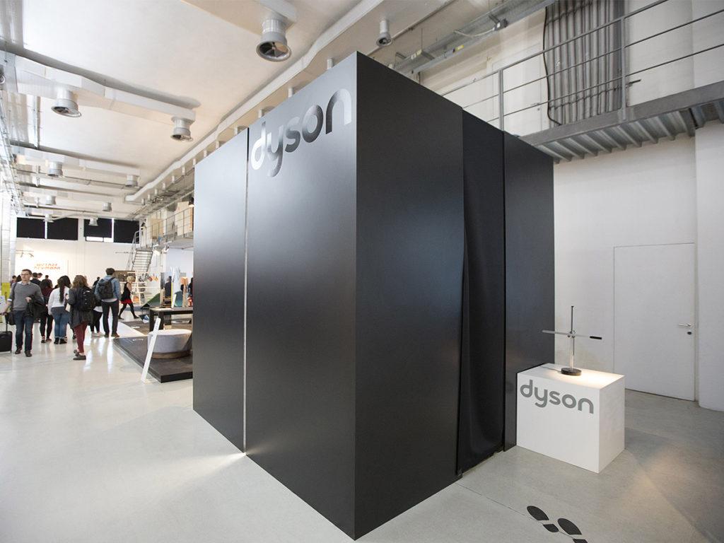 """installazione Dyson """"dArk Cube"""" Fuorisalone Studio dArk architetti milano"""